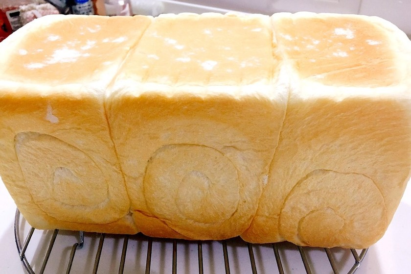 ほわサク♡手ごね♡生クリーム入り食パン