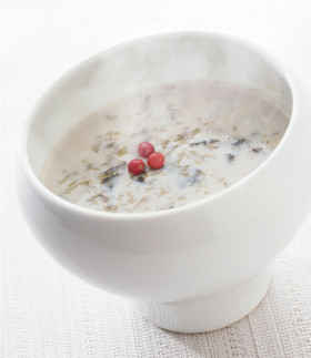 のりと牡蠣の豆乳スープ