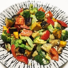 残り物野菜でデリ風彩りサラダ