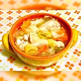 簡単☆鶏手羽元と野菜の食べるスープ