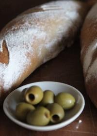 自家製酵母のオリーブ×塩糀パン