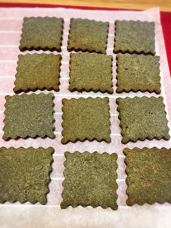 材料はたったの5つ!米粉でごまクッキー
