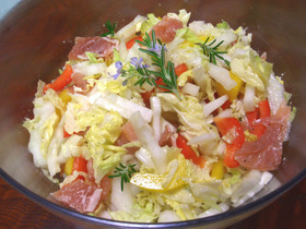 さっぱりシャキシャキ♪白菜の彩りサラダ