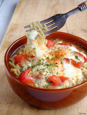 簡単5分♡モッツァトマトの味噌ラーメン!