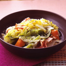 白菜とベーコンの蒸し煮