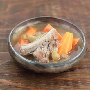 にんじんとスペアリブのごちそうスープ