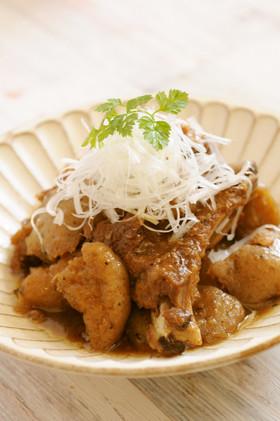 生芋蒟蒻とスペアリブの煮物