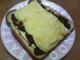 朝ご飯に♪ビーフシチュートースト★