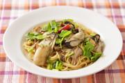 牡蠣とセリのスパゲッティの写真