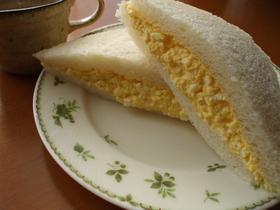 パン屋さんの贅沢卵サンド
