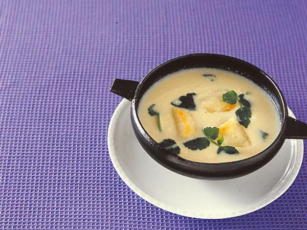 くずし豆腐と豆乳のスープ