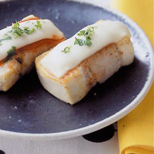 豆腐の豚ロールチーズ焼き