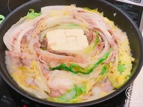 豚バラと白菜の、みぞれミルフィーユ無水鍋
