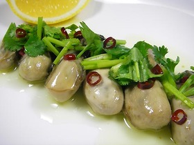 牡蠣のオイル漬け ベトナム風