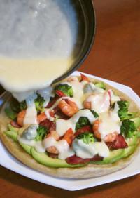 海老とアボカドのチーズフォンデュピザ