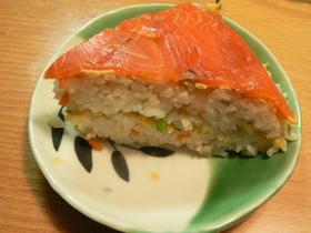 簡単☆スモークサーモンの押し寿司