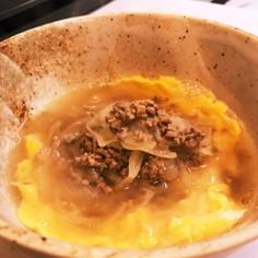 お出汁で食べるもちっさくっ挽き肉たまご餅