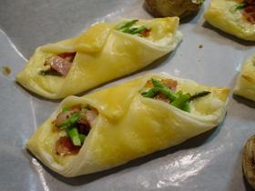 ☆簡単♪アスパラベーコンのチーズパイ