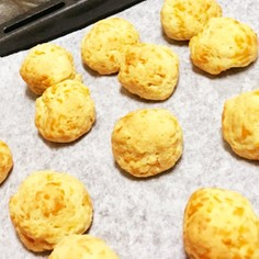 ポンデケージョ風低糖質のチーズパン