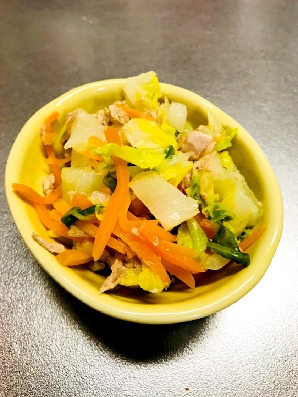 簡単!白菜と人参とツナのサラダ♡
