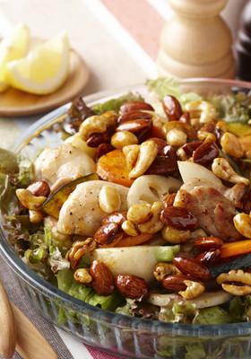 甘辛ナッツのごちそうグリルサラダ