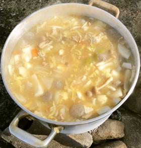 旨味たっぷり♪福島風具だくさん芋煮鍋