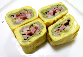 ★お弁当の卵焼き★桃色・緑・黄色がきれい