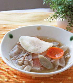 豚バラ肉とスライス大根・ごぼう・人参煮