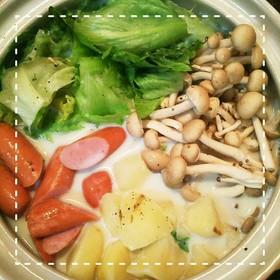 簡単!レタスのコンソメミルクスープ鍋