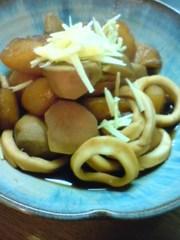 簡単。イカとサトイモの煮物の写真