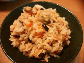 まるしいたけと生姜とアサリの炊き込みご飯