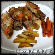 野菜とドライパインの肉巻きの写真