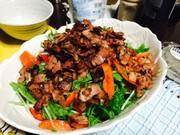 水菜サラダ カリカリベーコンのせの写真