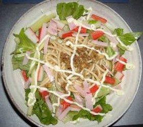 キーマカレーパスタのサラダ