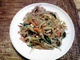 野菜とこんにゃくのぺペロンチーノ風