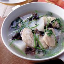 鶏手羽と大根のボリュームスープ