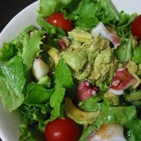 アボガドとタコのお手軽サラダ
