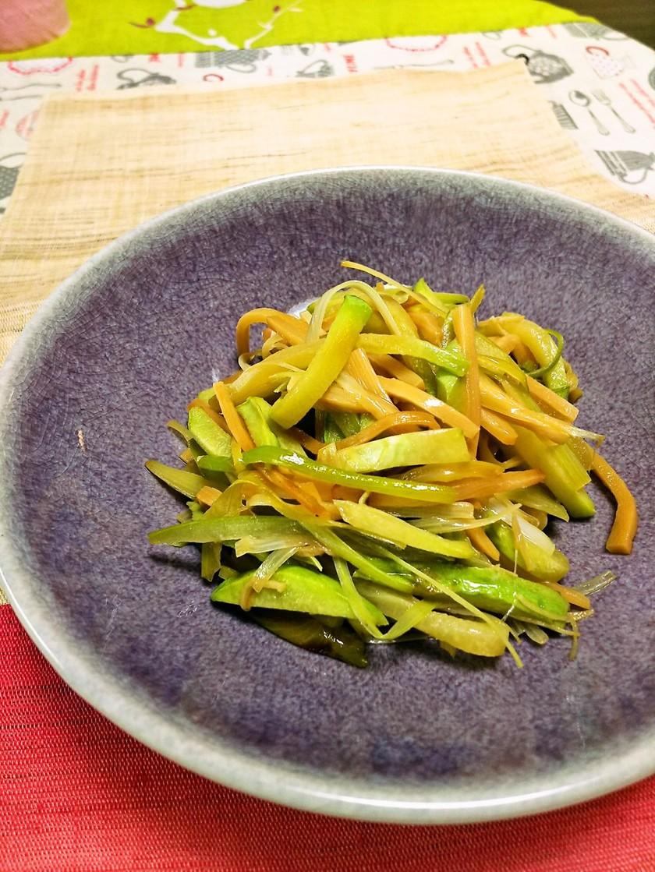 ハヤトウリとメンマの中華炒め
