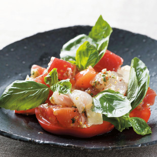 トマトとチーズの刺し身サラダ