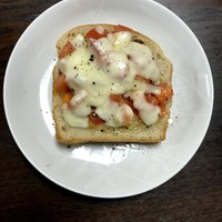 紅茶香る手作りポリ食パンのトマトトースト