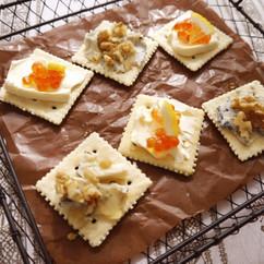 ブルーチーズ×ハニーナッツ&いくら×クリームチーズ カナッペ2種