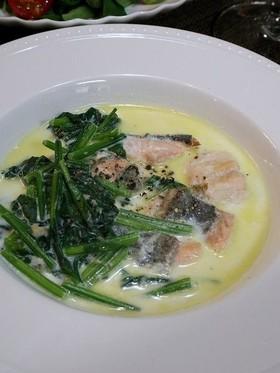 新巻鮭とほうれん草のクリーム煮