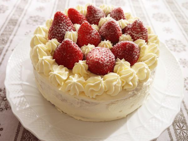 クリスマスケーキ イチゴのデコレーションケーキ