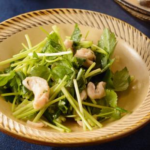 鶏皮とミツバのサラダ