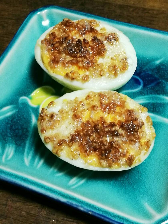 お手軽☆ゆで卵のごまマヨ焼き
