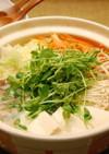 白だしで♪豆苗と豚肉のにんにく生姜鍋