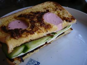 てんとう虫のフレンチトーストサンド