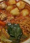 トマト鍋☆シメはラーメンかオムライス風。