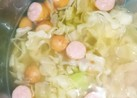 簡単‼キャベツとソーセージのスープ