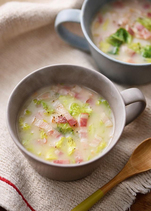 レンジで♪白菜ベーコンの糀甘酒マグスープ